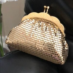 Andre Cellini Shiny Gold Change Pouch